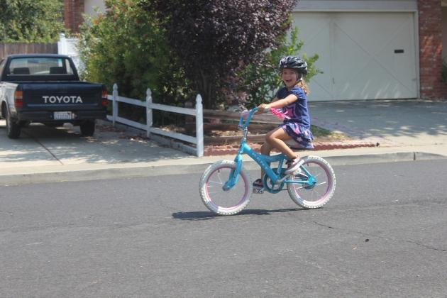 No more training wheels! Yay Faithy!